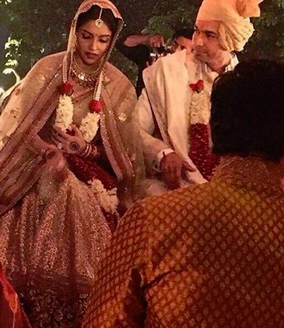 Bollywood actress Asin got married to Rahul Sharma (3)