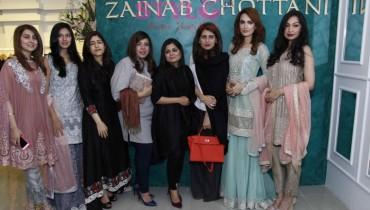 Areeba Habib, Sunita Marshall, Zainab Chottani, Nadia Hussain, Rubya Chaudhri and some guests at Zainab Chottani's flagship store launch