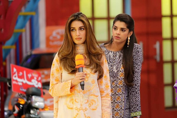 See Sanam Saeed and Iman Ali in Jeeto Pakistan