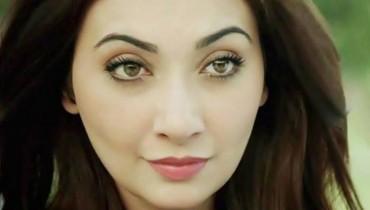 ayesha khan eyes