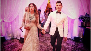 See Bipasha Basu's Reception Pictures