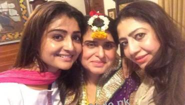 Mehndi Pictures of Astrologer Samiah Rashid (4)