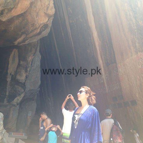 Ayesha Khan in Thailand (2)