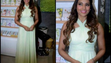 See Bipasha Basu called her husband 'Moneky' in front of media