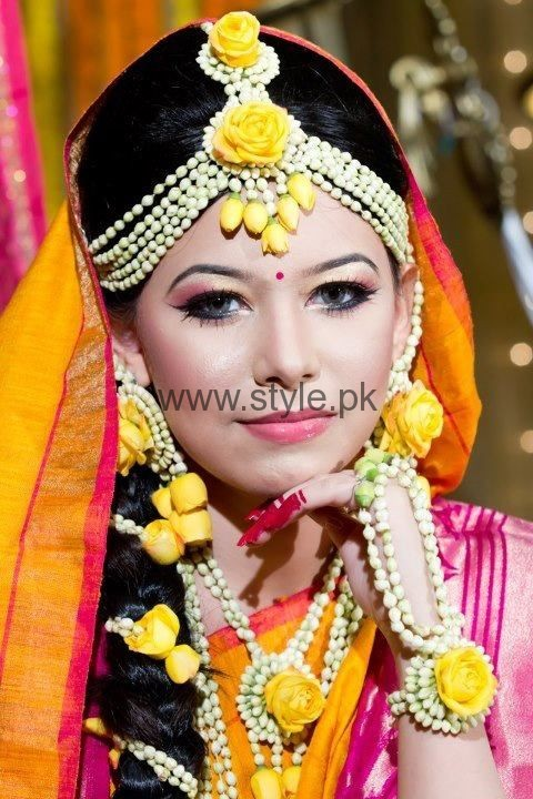 Fresh Flower Jewelry For Brides : Latest fresh flowers jewelry for mehndi