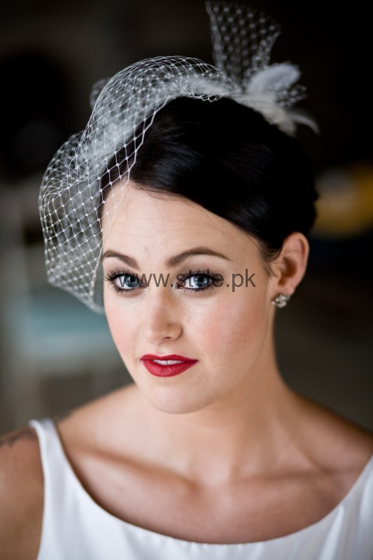Makeup styles for white dress