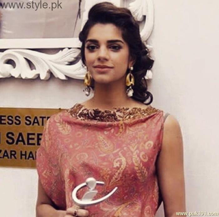Pakistani Actress Hairstyles: Pakistani Actresses In Braids (8)