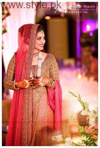 See Top Pakistani Fashion and Wedding Photographers