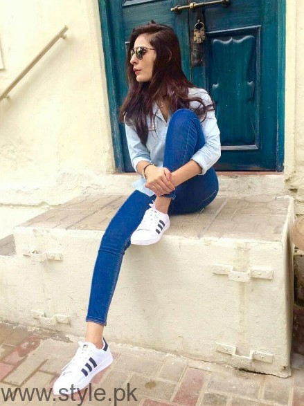 White Sneakers Trend in Pakistani Celebrities (5)