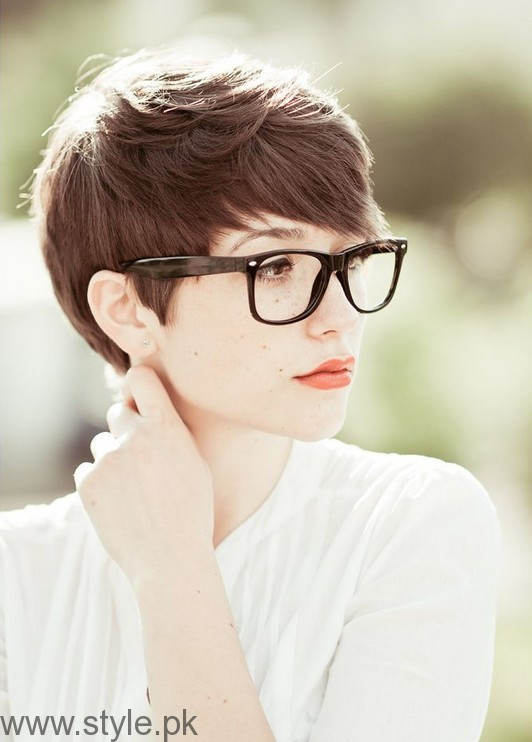 7 Best Hairstyles for Office Look (4)