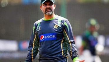 Moin Khan Father Died