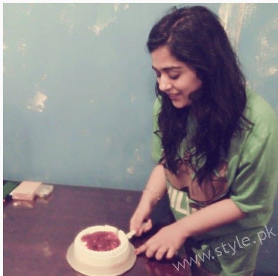 Actress Yasra Rizvi got Engaged (5)