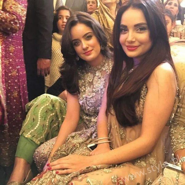 Celebrities at Urwa Farhan Wedding (10)