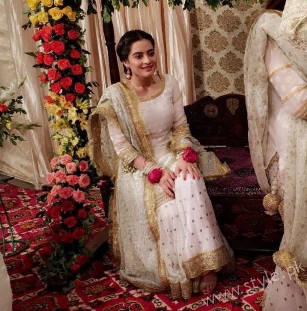 Aiman Khan Amp Muneeb Butt Dholki Pictures