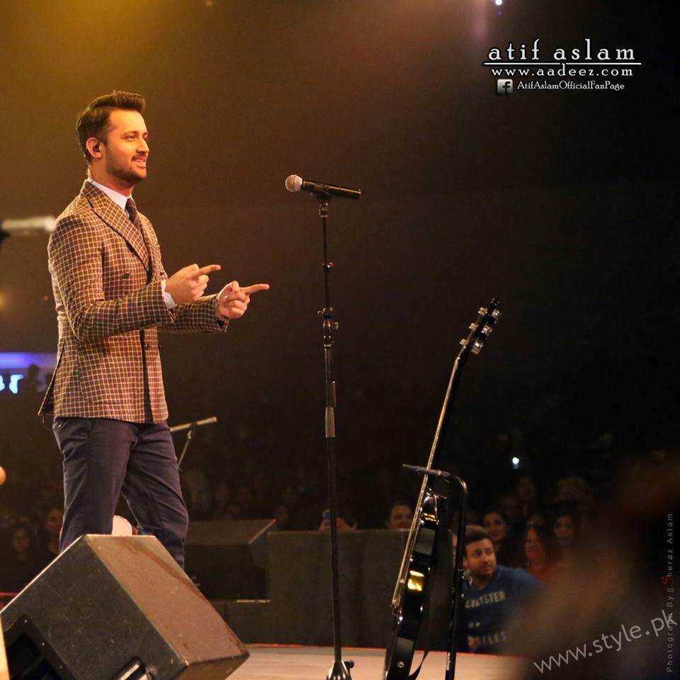 Atif Aslam -Pakistani Celebrities at Filmfare 2017