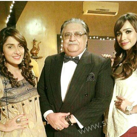 Ayeza Khan and Imran Abbas Cast Of Mohabbat Tum Se Nafrat Hai (18)