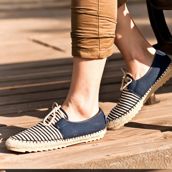 Simple Canvas Shoes For Men Women And Girls In Pakistan 3