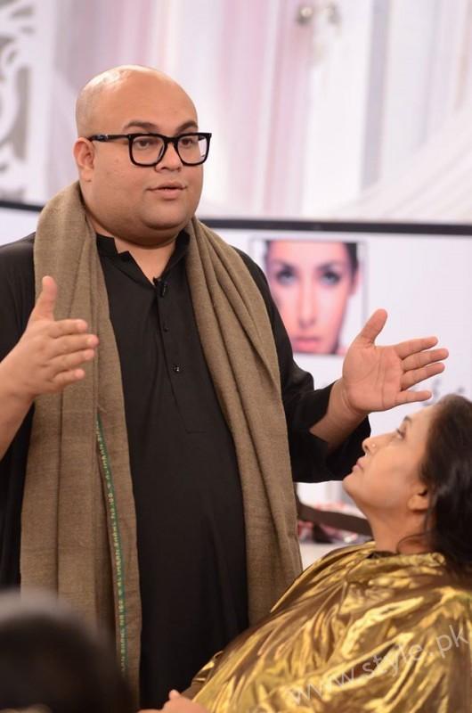 Waqar Hussain Makeup Class Good Morning Pakistan (6)