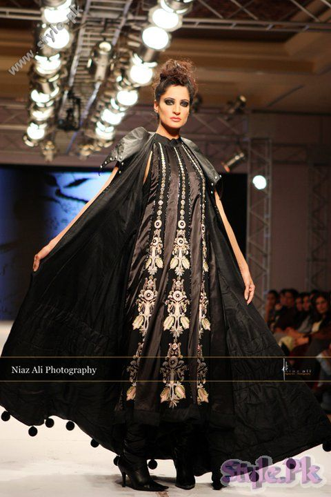 Latest Fashion Trends in Pakistan IFW 2011 shows