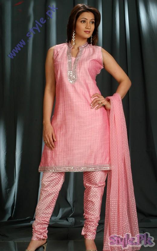Pakistani Churidar Pink Salwar SuitTrend for Eid 520x832 fashion trends