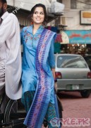 Casual Lawn Dresses FOr Girls in Pakistan