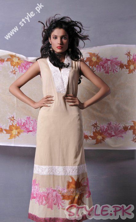 Elegant Dresses by Sitara Lawn fashion brands