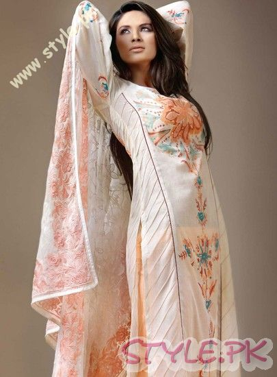 Embroidered Lawn Designs For Women 2011 fashion brands