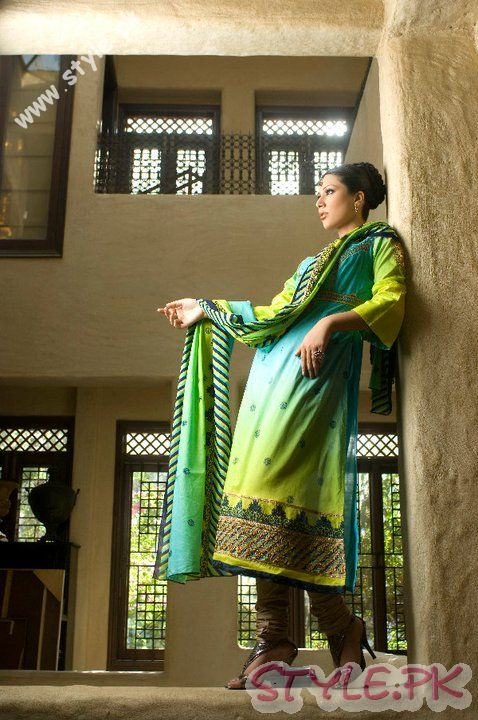 Fresh in Green for Women by Sitara Premium Lawn 2011 fashion brands