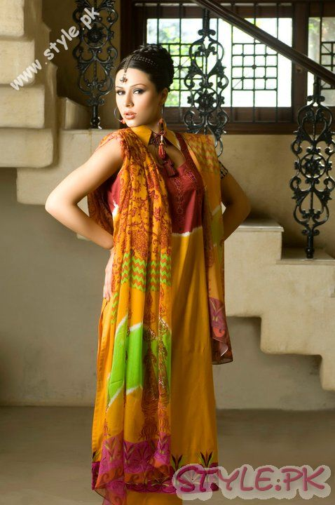 Latest Designs of Dresses by Sitara Premium Lawn For Girls fashion brands