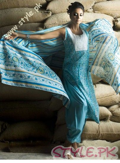 Normal Lawn Collection 2011 by Gul Ahmed fashion brands
