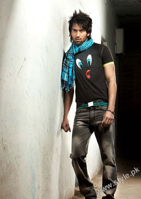 Latest collection of tees and jeans for men by riverstone 2011 for Jeans t shirt style