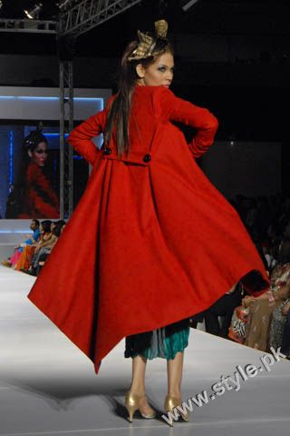 Fashion Designer Mohsin Ali's Dresses For Women in PFDC Sunsilk Fashion Week 2011 Lahore (5)