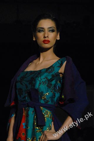 Fashion Designer Mohsin Ali's Dresses For Women in PFDC Sunsilk Fashion Week 2011 Lahore (10)