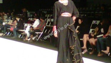 SURBHI JAGGI Abbayas Collection at Dubai Fashion Week 2011