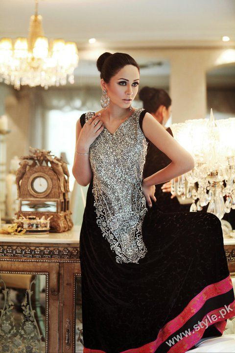 Black party dresses in pakistani
