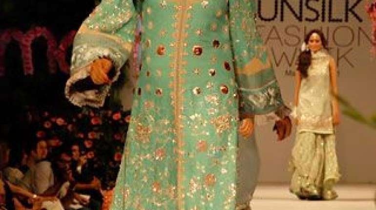 Karma's Fashion Dresses For Women in PFDC Sunsilk Fashion Week 2011 Lahore (24)