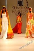 Sublime by Designer Sara Shahid in PFDC Sunsilk Fashion Week 2011 (14)