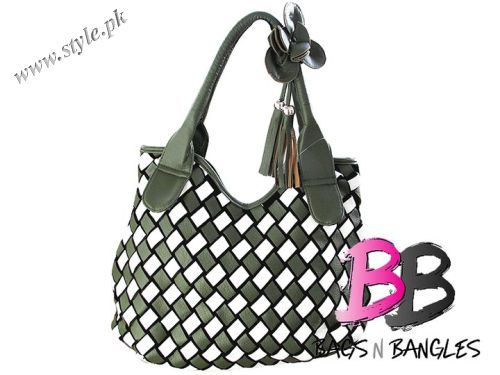 Hand bags For Girls In Pakistan by Bags N Bangles 2011 Collection ab92cd29e8