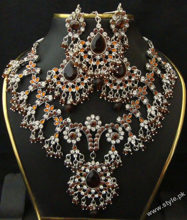 Latest Indian Bridal Jewellery Sets For Women