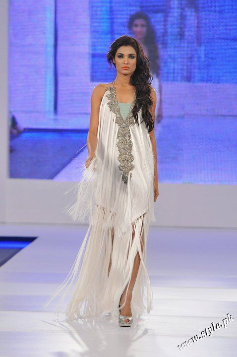 Ayesha Farooq Hashwani's white and pure collection 2011 (2)