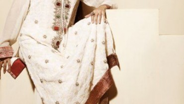 Zarmina's Signature ChikkanKari Lawn Collection 2011