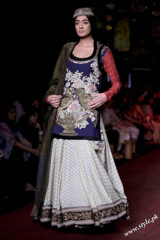 Sabyasachi Lehanga Designs For Women