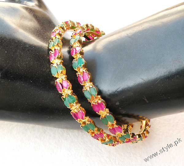 Artificial jewellery in Pakistan Bangles designs trends jewellery