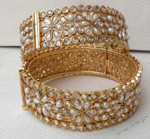 Bangles For Girls latest Fashion 2011 trends jewellery