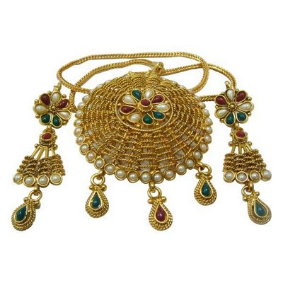 Gold plated kundan jewellery for party wear