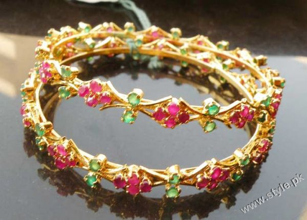 Latest Fashion of Bangles For Women in Pakistan trends jewellery