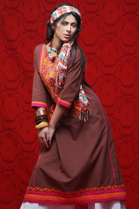 Latest Pakistani fashion dresses local designer clothes for women