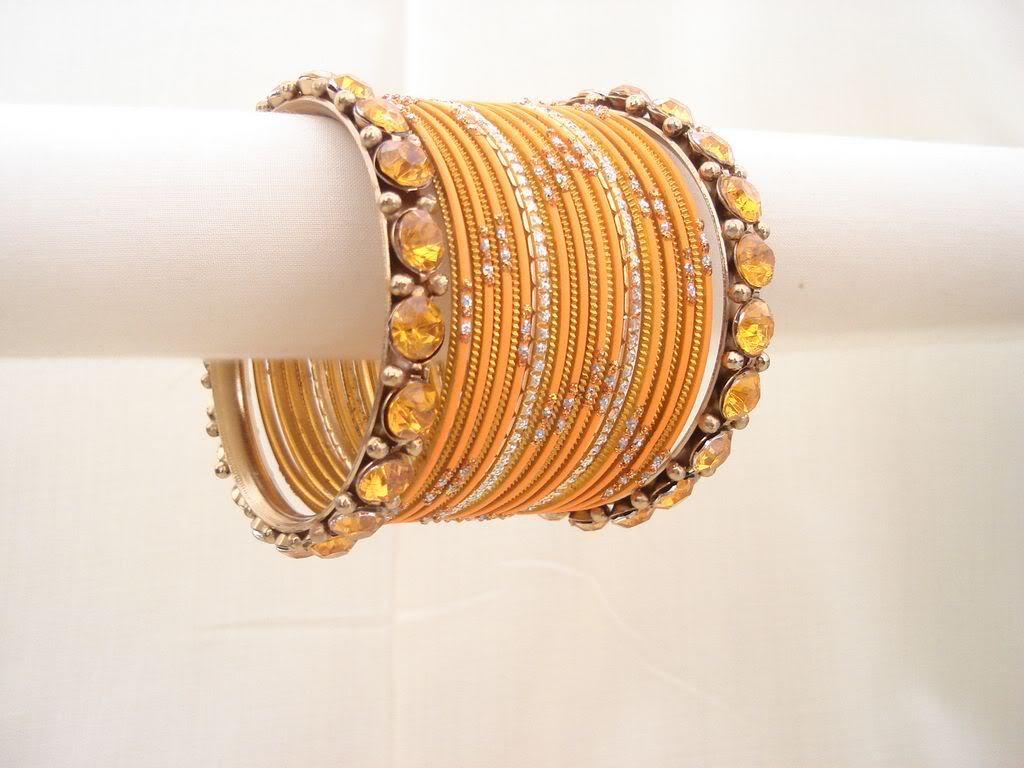 Latest Trend in Bangles-Churiyan Fashion For Girls 2011