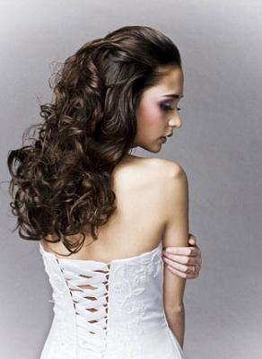 Long and curly bridal headdress hairstyles and hair care
