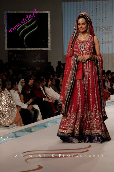 Mehreen sayed displaying lajwanti clothes wedding wear